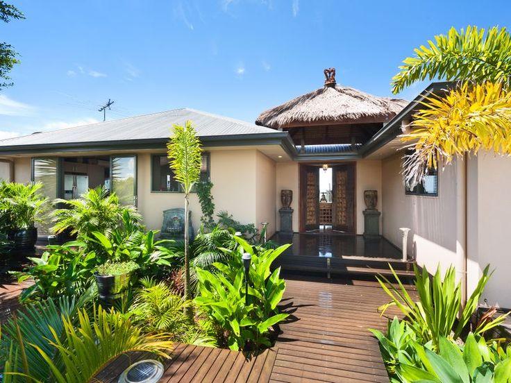 Balinese inspired entrance to the Sunrise design | Tru-Built Builders Queensland