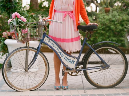 flower delivery :)Ideas, Orange Flower, Vintage Bikes, Welcome Signs, Wedding Colors, Vintage Bicycles, Old Bikes, Flower Delivery, Floral Shoes