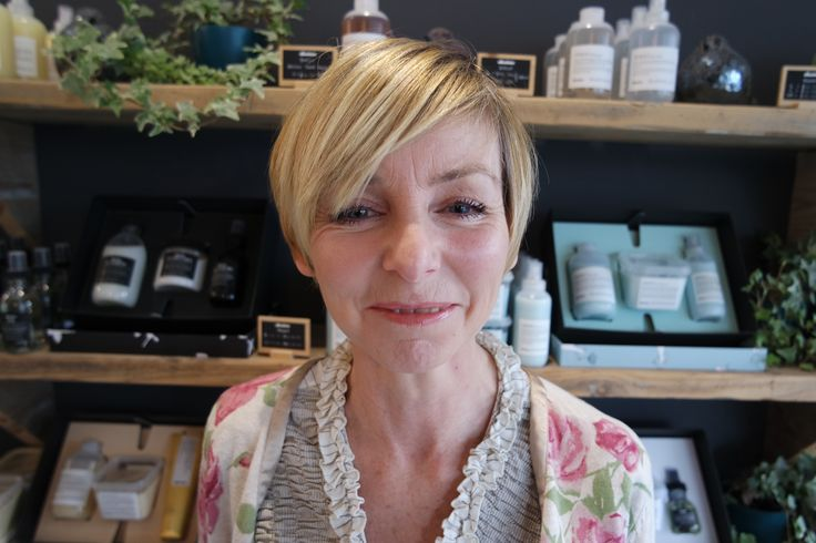 The lovely Melanie came in for a restyle this afternoon at the salon with Jenna, and left with the cutest short, crop hair! ✂️️ #bristol #hairdresser #hairdressing #pixiecrop #shorthairdontcare #blonde #cute #davines #goodsalonguide