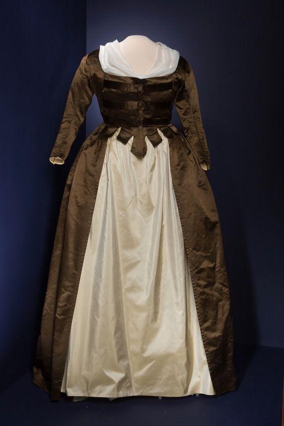 Dress of Martha Washington, 1790′s, Mount Vernon