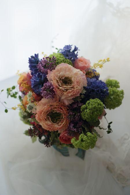 クラッチブーケ ホテルニューグランド様へ 分銅 : 一会 ウエディングの花