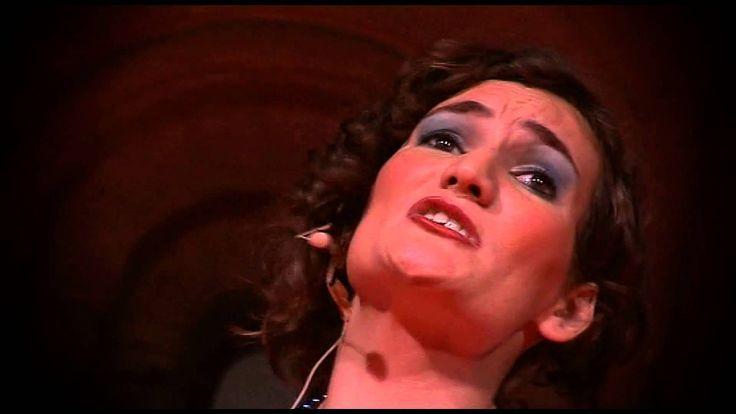 La vedova allegra è lo spettacolo di fine corso di specializzazione della scuola di arte drammatica Talìa di Brindisi con la regia di Maurizio Ciccolella