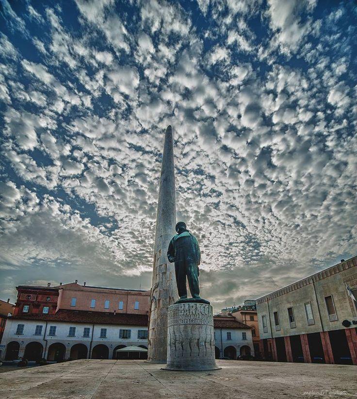 Monumento Baracca #Lugo di #Romagna (foto FB Tatì Hotel)