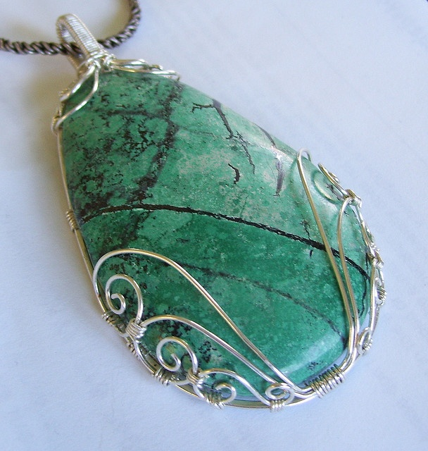 Silver Swirls by Don't worry, Bead Happy, via Flickr