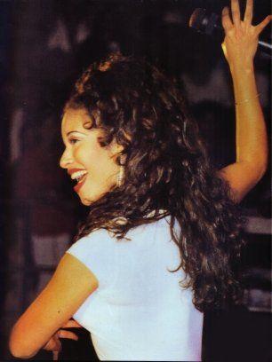 Selena Quintanilla- Love this Picture