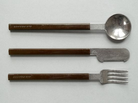 A cutlery set from the 60s, designed by Raymond Loewy for Concorde.
