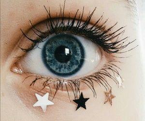 Escute garota! Por favor escute! Sua lagrimas são como as estrelas, preciosas demais para chorar por coisa boba! Escute garota! Pare já! Pare já com isso! Por que por mais que negue, ele era sim algo bobo.