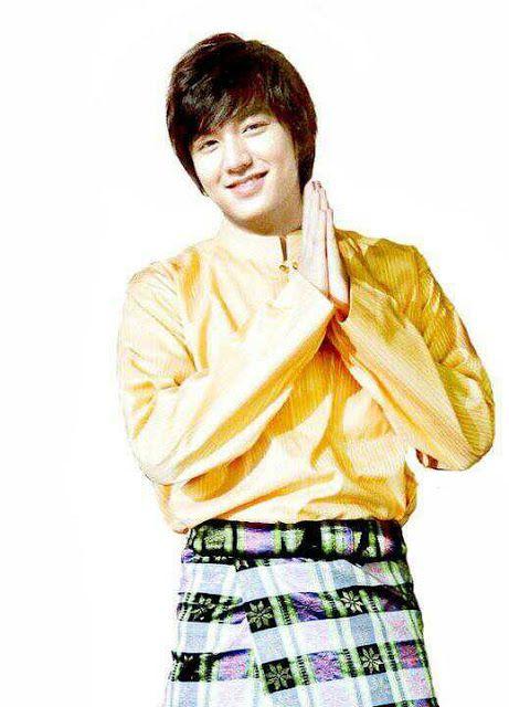 "Lee Min Ho's looks cute in Malay traditional outfit ""Baju Melayu"" minus the songkok"