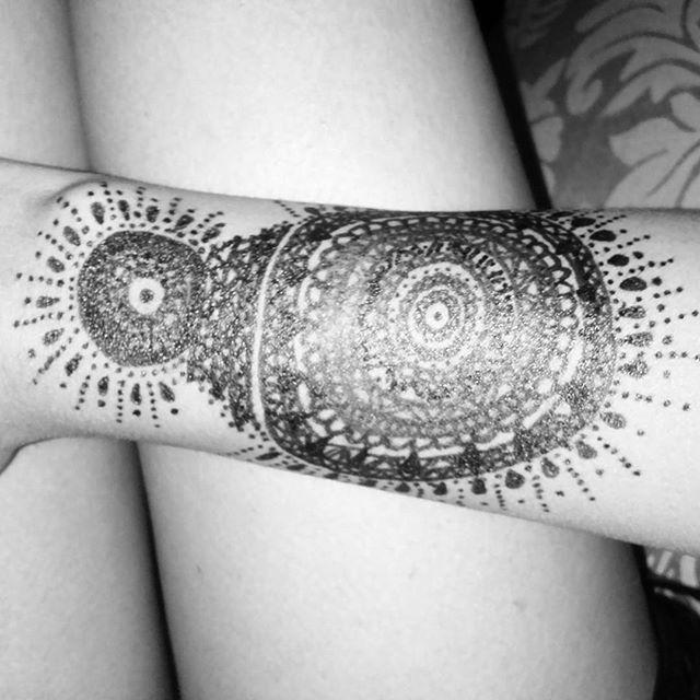 Vamos a conquistar el mundo juntos :3 #mandala #henna #goodbye #karma #spiritual #trip