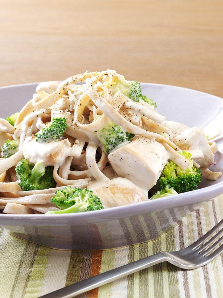 Try This Delicious Creamy Chicken And Broccoli Alfredo -8842