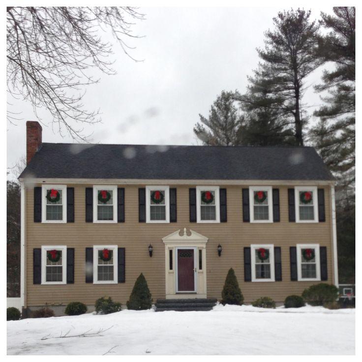 Pleasant Colonial Home New England Paint Color Ideas Colonial Center Largest Home Design Picture Inspirations Pitcheantrous