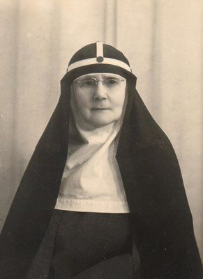 A little-known English nun who helped to hide Italian Jews from the Nazis in wartime Rome is being considered as a possible saint. Mother Ricarda Beauchamp Hambrough is credited with playing a vital role in saving the lives of more than 60 Jews by smuggling them into her convent.