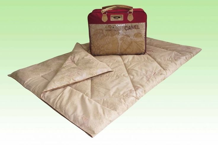 """Comforter with applique """"Camel Grass"""" wool of camel, in cotton. Model demi."""