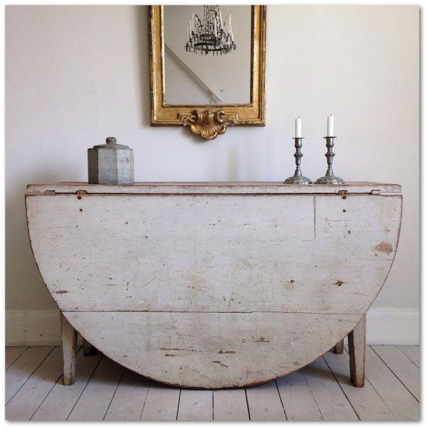 Delightful Master Henriks Gustavian Furniture