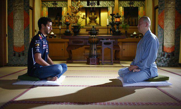 Ricciardo explores spiritual side in Tokyo ahead of Japan Grand Prix