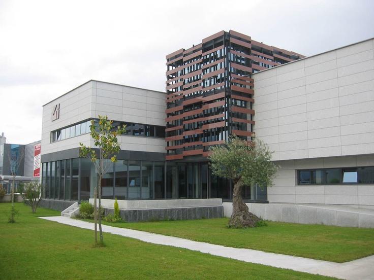 Edificio de oficinas para Granitos Ibéricos, S.A.: para saber más sobre este proyecto en O Porriño accede a http://www.galarq.com/edificio-de-oficinas-para-granitos-ibericos-s-a/
