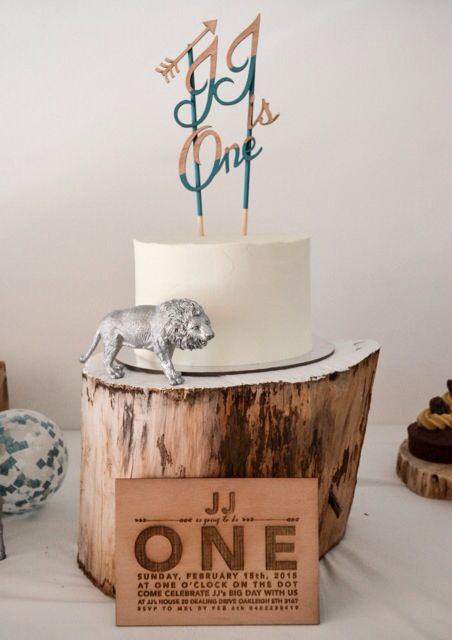 These invites. Rock. My favourite. Thanks @_zilvi for making these invites come alive!  #yourock #zilvi #caketopper #invitations #party #wood #woodland #birthdaybash #hellolittlebirdie