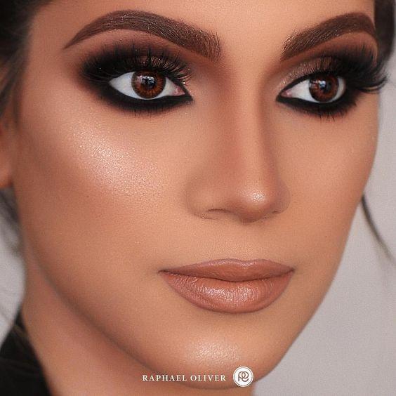 Sombra preta | Maquiagem olhos pretos, Maquiagem olhos