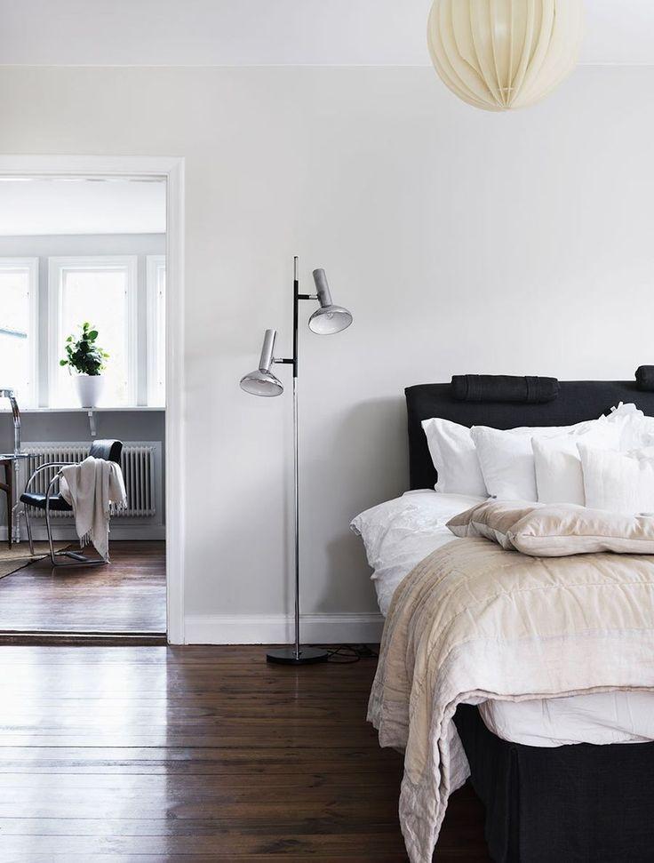 Awesome 88 Simple Swedish Bedroom Decor Ideas. More at http://88homedecor.com/2017/09/11/88-simple-swedish-bedroom-decor-ideas/