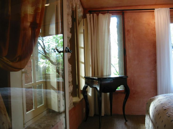 Room 1 Romantic Bed And Breakfast Le Prince Noir Les Baux De Provence
