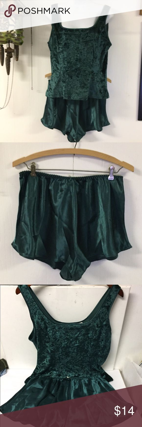 "Victoria's Secret Hunter Green Velvet PJ Set sz L Excellent clean condition.  Stated size ze L. Tank style top of Velvet Feel fabric. And Shorts with satin style sheen. Shorts have elastic in waist.  Waist 26-38"".  Tank style top bust 38-42"". Victoria's Secret Intimates & Sleepwear Pajamas"