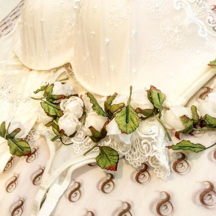 What is your dream wedding set #fbloggers #instalingerie #weddingwednesday #weddingseason