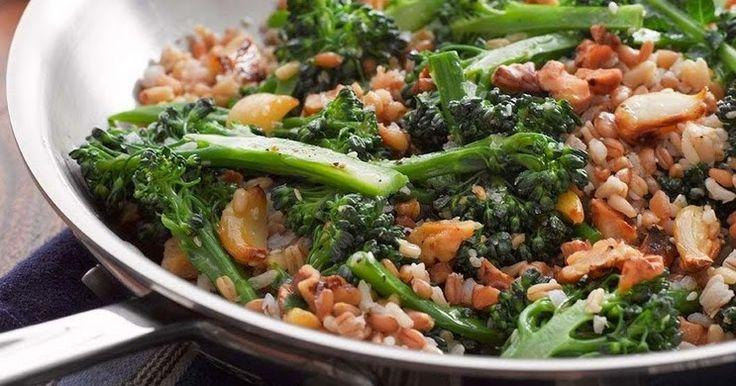 Cantinho Vegetariano: Arroz Sete Grãos com Brócolis, Alho Assado e Nozes (vegana)