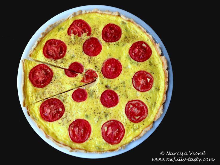 Tarta cu branza si rosii.  Cheese and tomato tart.