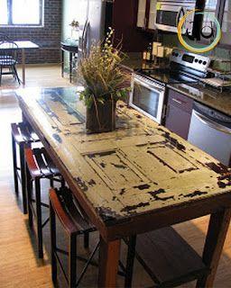 si può pensare di realizzare un tavolo a partire da una vecchia porta