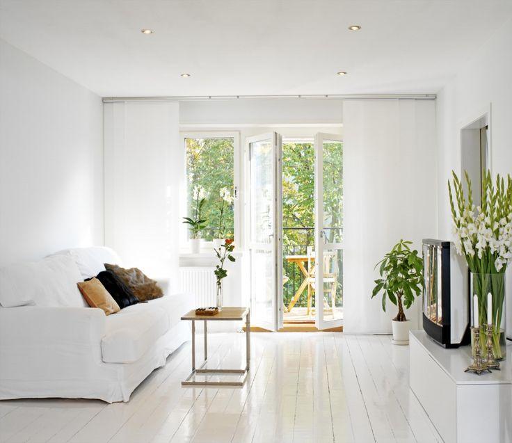 We krijgen vaak de vraag hoe je nou een 'normale' kleine woonkamer inricht? Hoe kun ...