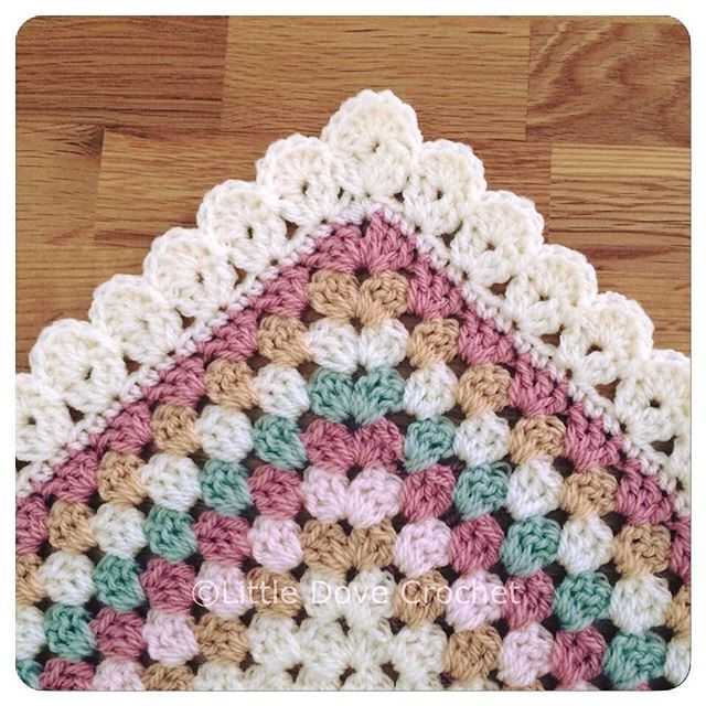 details about my border pattern are on my blog under field of daisies blanket (link to website in my profile) by littledovecrochet