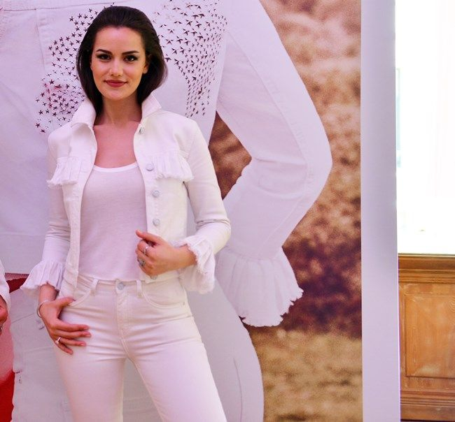 Fahriye Evcen For Koton Jeans Press Conference Koton Fashion Style