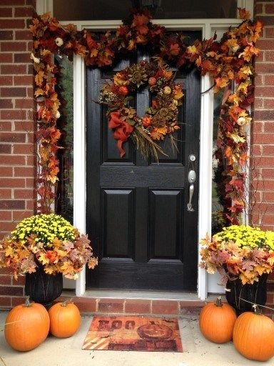 40 Lovely Thanksgiving Porch Decor Ideas To Add Beauty To Your Home