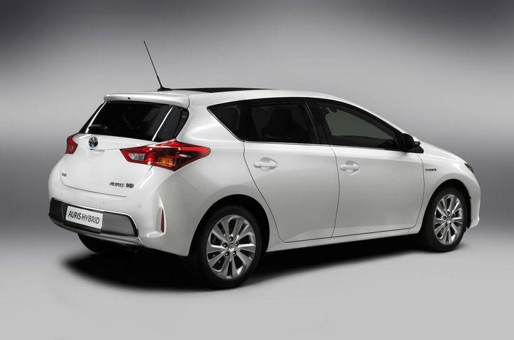 Toyota Auris Hybrid TS Review