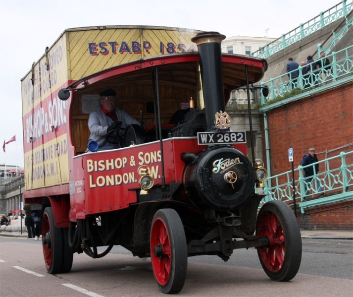 #OurHistoricVehicles #BishopsMove #Foden steaming along the #MarineParade at #Brighton