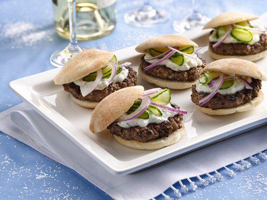 Mini Greek Burgers - QueRicaVida.com