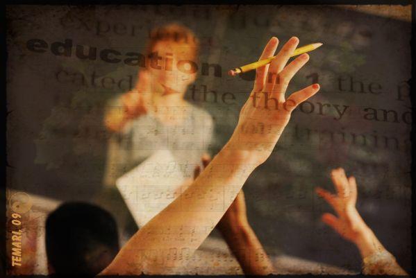 Shelley Stagg Peterson propose de nombreuses stratégies applicables par les enseignants pour aider les élèves qui ont des difficultés en écriture.