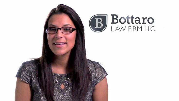 Bottaro Law Firm LLC es un equipo de abogados de lesiones personales profesionales en las áreas de Rhode Island y Massachusetts que ofrecen servicio. Con 9 oficinas estratégicas, se puede visitar el lugar más cercano en su área o llame al 866-529-9700 para su consulta jurídica gratuita.