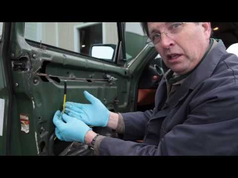Mercedes 123 Vacuum Door Lock Diagnosis Tip by Kent Bergsma - YouTube