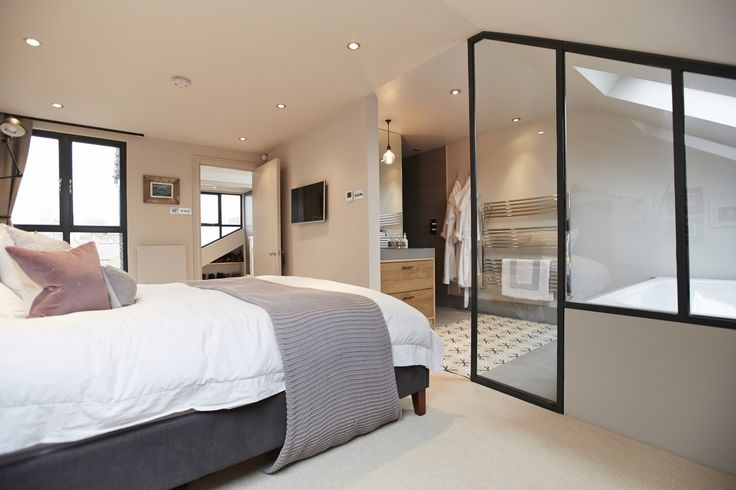 Conley & Co - Loft conversion - Balham, London. House renovation and interior design. Classic contemporary style. Master bedroom with ensuite and walk-in wardrobe.