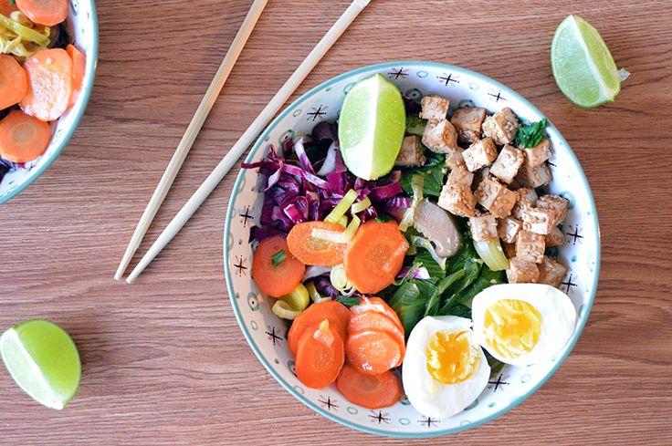 Ramen, la zuppa giapponese dai mille sapori - La prima volta che ho sentito parlare del ramen è stato su Pinterest. L'avevo già visto, come probabilmente molti di voi, nei cartoni animati giapponesi. I protagonisti gustano seduti ad un bancone questa sorta di …