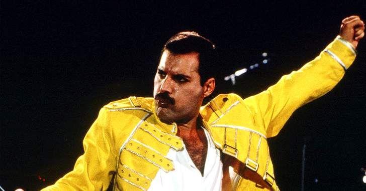Mamma, just killed a man… Há um certo tempo nós ouvimos dizer que Hollywood iria fazer um filme biografia chamado Bohemian Rhapsody, contando a história do lendário cantorFreddie Mercury,vocalista da banda Queen. A notícia veio junto com o anúncio de que o atorRami Malek, de Mr. Robot, iria interpretar o papel principal do cantor. Nesta …
