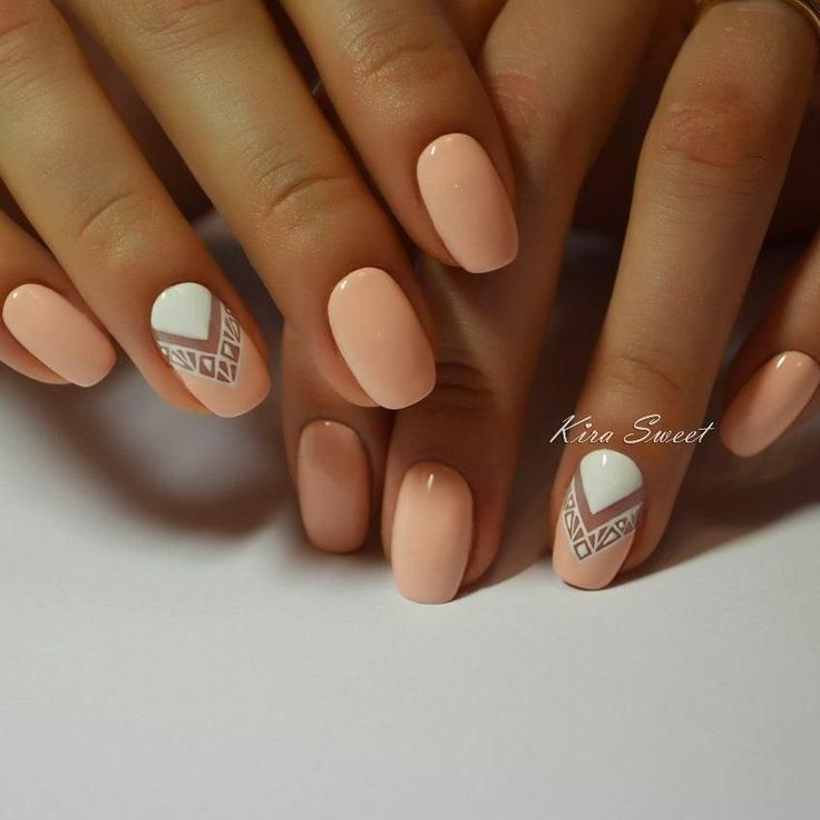 A lot of girls will like a fashion peach nail polish with a soft gloss by its summer freshness and original pattern. Milky white triangles focus on index f