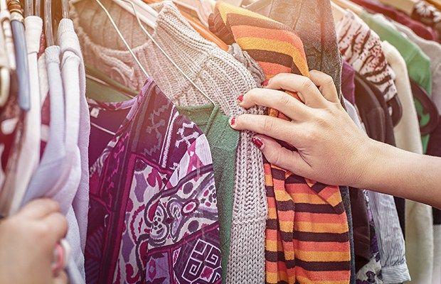 10 conseils pour faire de votre vente de garage un succès! http://blogue.cascades.com/2016/06/06/vente-garage-101/ / 10 tips to organize and host your own successful garage sale! http://blog.cascades.com/2016/06/06/garage-sale-101/