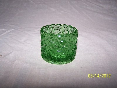 GREEN FENTON GLASS DAISY & BUTTONS VINTAGE OPEN SALT DIP CELLAR DISH