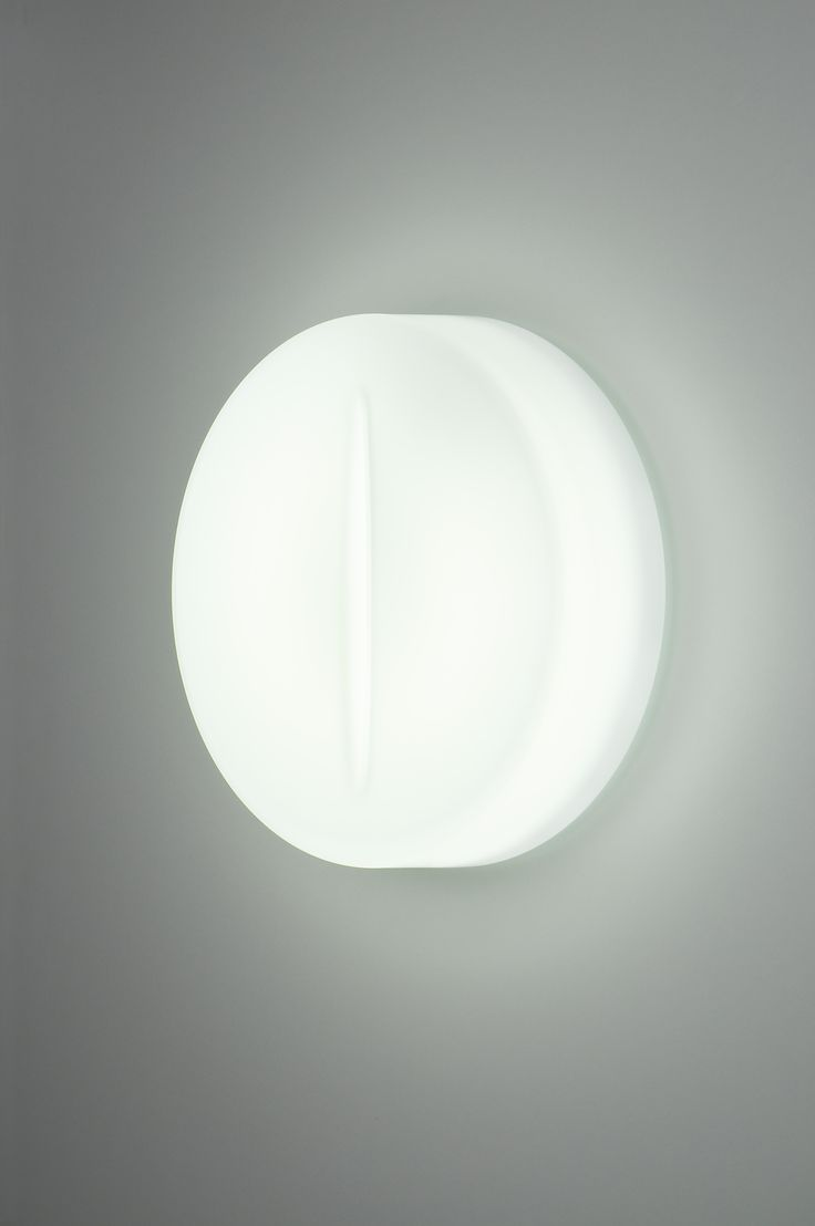 LUCIO - Un taglio di luce.