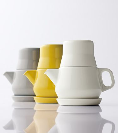 COULEUR Simple Tea Preparation the Japanese Way  The compact tea set for personal use consists of three stackable parts: a teapot, a cup ...