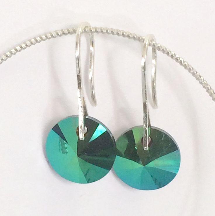Boucles d'oreilles en argent 925 et pendentif cristal Swarovski Scarabaeus Green de la boutique Crystalglamchic sur Etsy