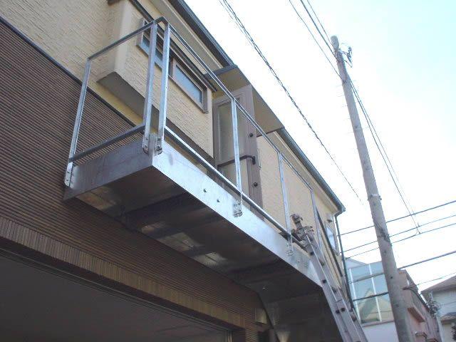 下から見上げる支柱のない踊り場 鉄骨階段 Pinterest Search