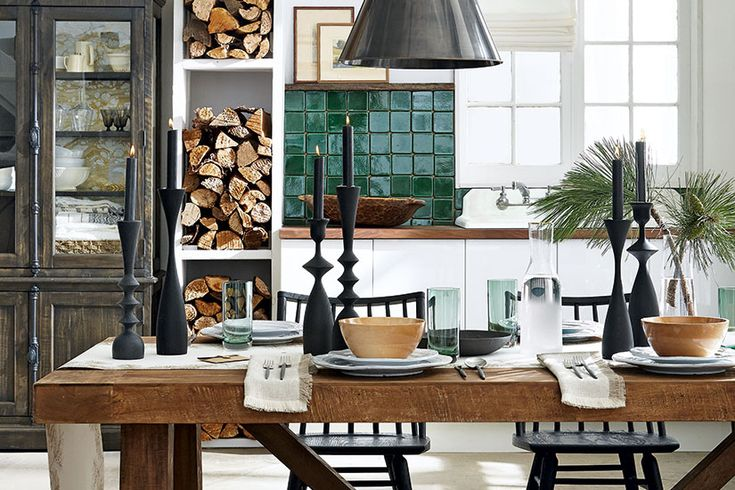 High/low: Festive dining room Designed + Styled by Andrea McCrindle Photography www.michaelnangreaves.com